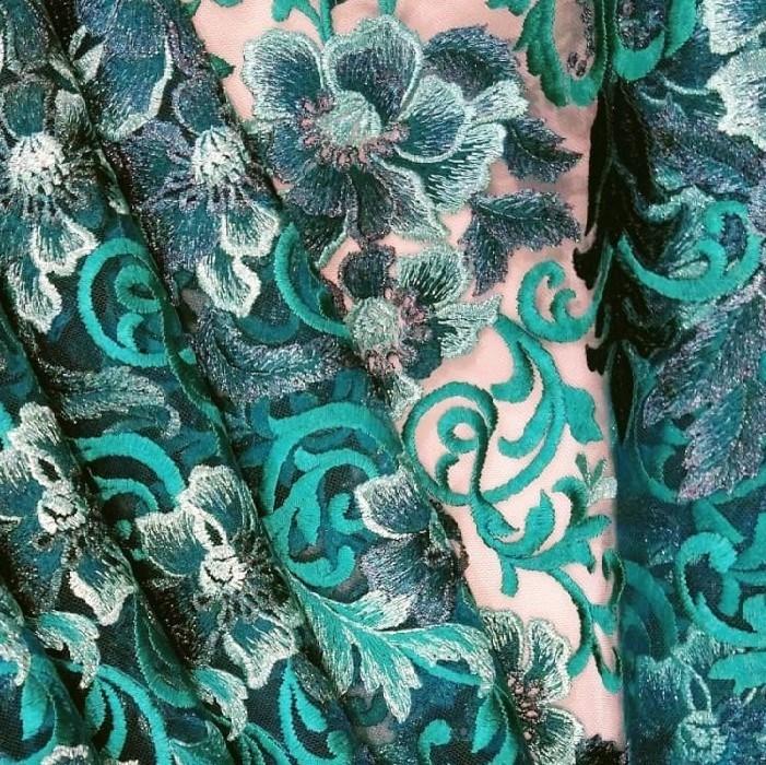 Tecido Tule Bordado Floral Verde folha