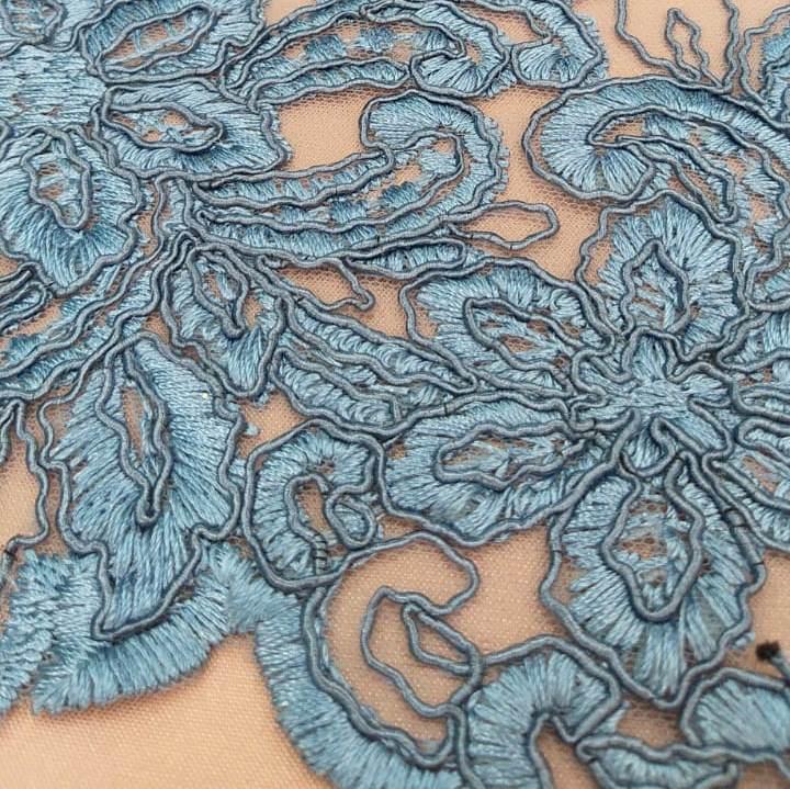 Tecido Tule Bordado Floral Azul Aço