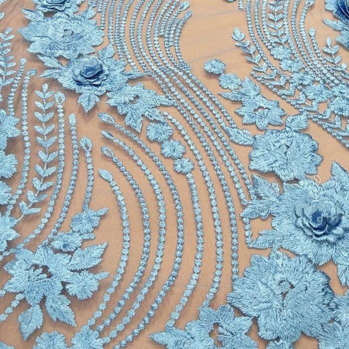 Tecido Tule Bordado Floral Azul Serenity
