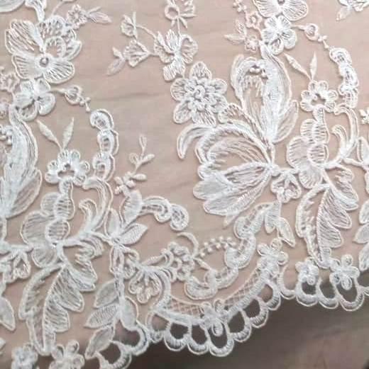 Tecido Tule Bordado Floral Branco