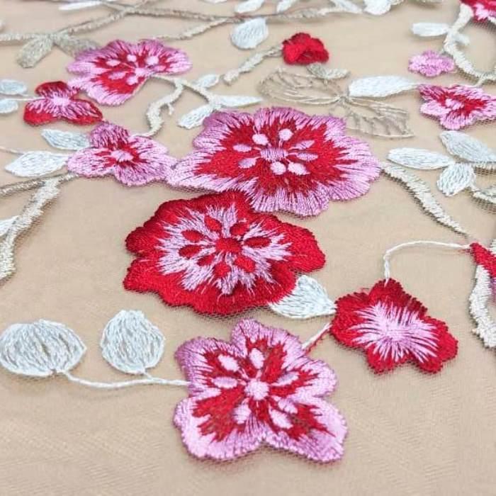 Tecido Tule Bordado Floral Vermelho