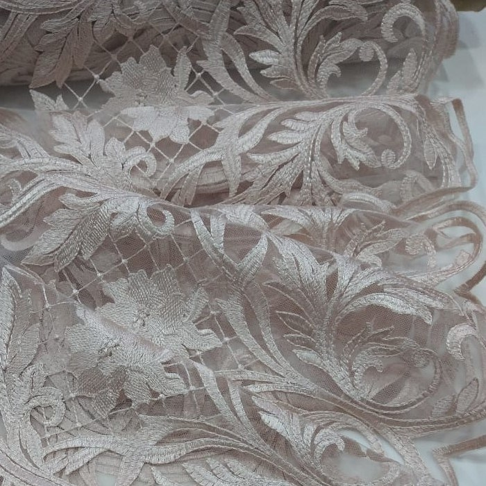 Tecido Tule Bordado Pele de Pêssego (Rose)