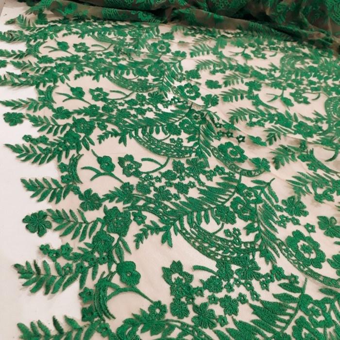 Tecido Tule ilusion bordado verde bandeira