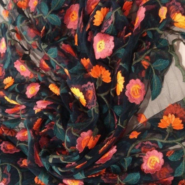 Tecido Tule  Verde Floresta Com Bordado Floral Colorido