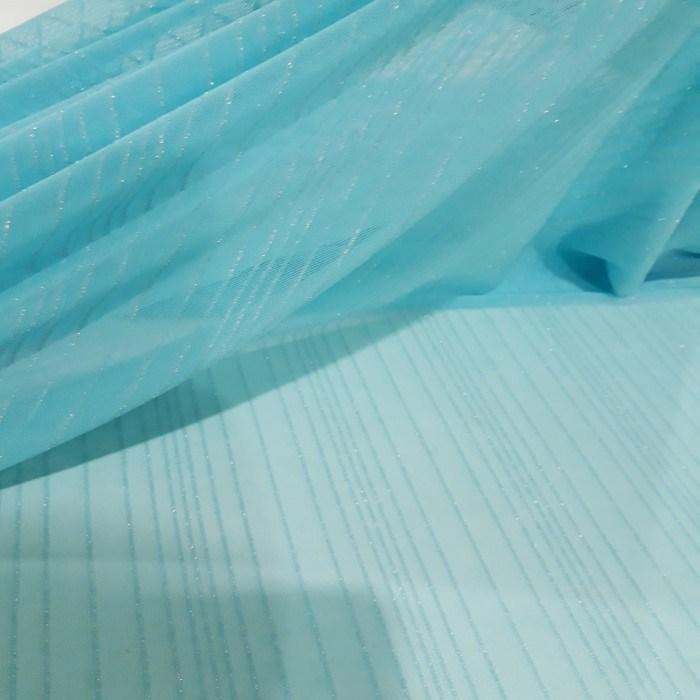 Tecido tulede malha listrado com fio metálico azul tiffany