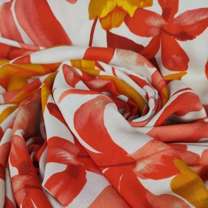 Tecido Viscose Branco Com Floral Estampado Em Tons Terracota
