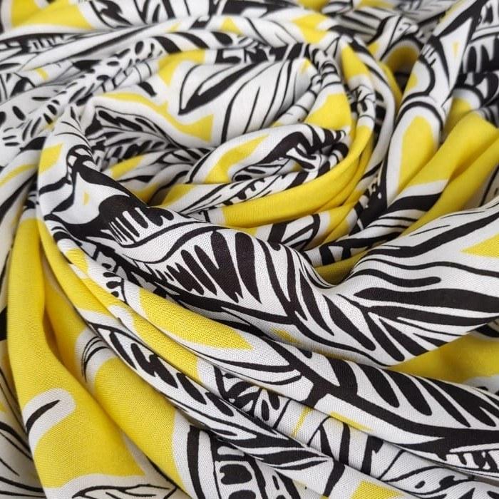 Tecido Viscose Cor Amarelo Com Floral Branco e Preto