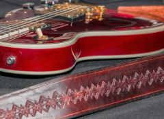 La manta con Gibson Wine red quilted