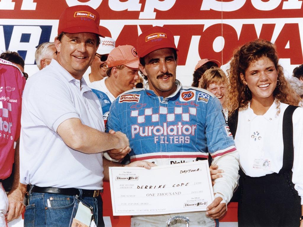 The Finish Line: 1990 Daytona 500