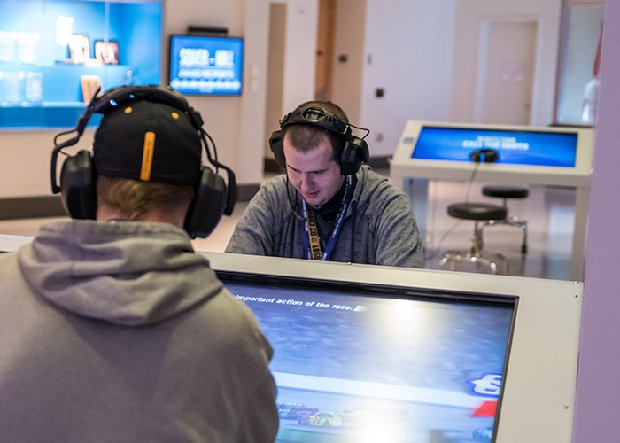 Radio broadcast interactive