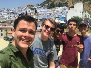 Selfie of 5 NSLI-Y students in Chefchaouen