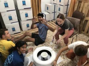 NSLI-Y students volunteering
