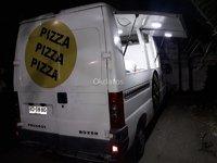 Pegueot Boxer remodelada como Food Truck