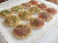 banquetes fiestas canapes brochetas minipizzas