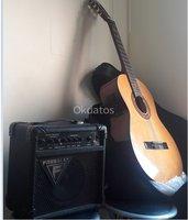 Guitarra electroacústica más amplificador