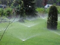 Se instala riego de jardín y riego tecnificado