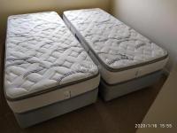 Se venden dos camas de una plaza. (Cómo nuevas)