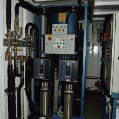 Hot water machine