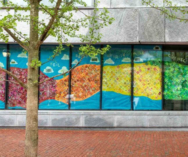 Salem elementary school students create large-scale mural at PEM