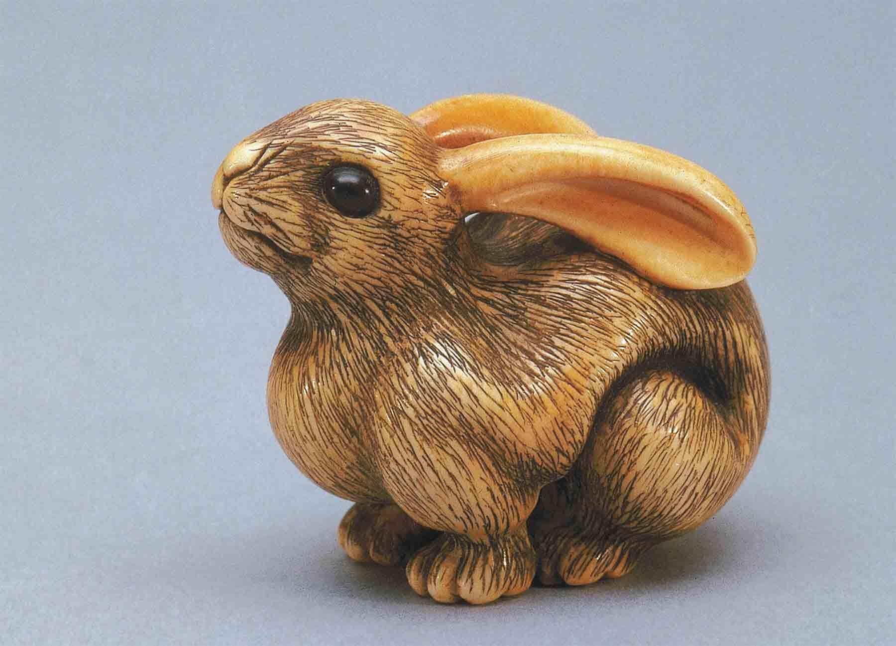 Netsuke in the form of a rabbit, 19th century