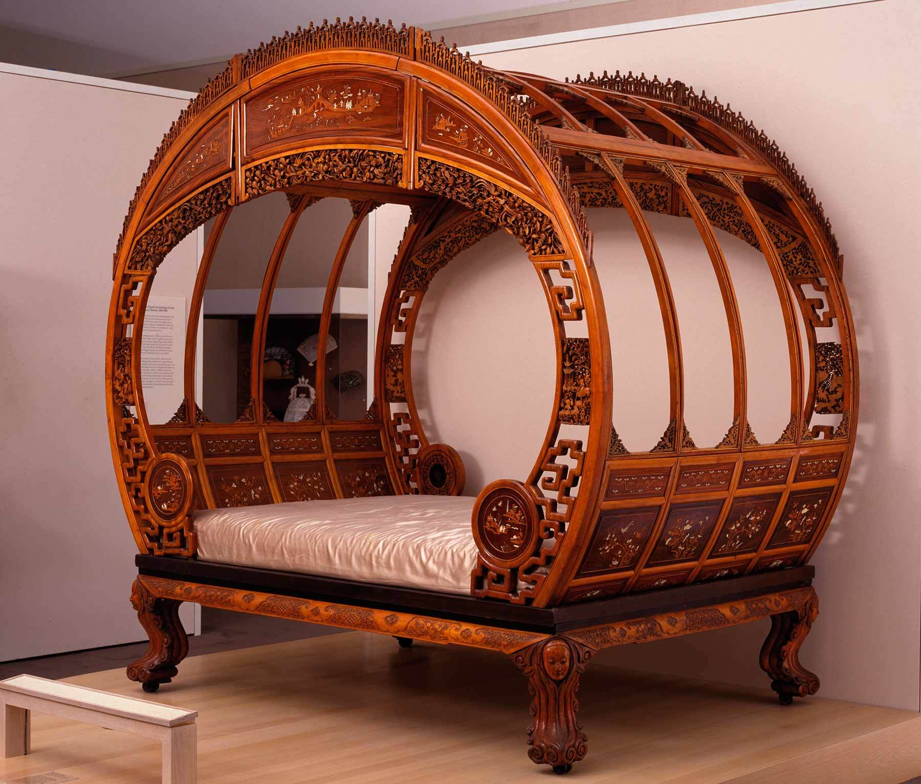 Artists in Ningbo, China, Moon-gate bed, about 1876