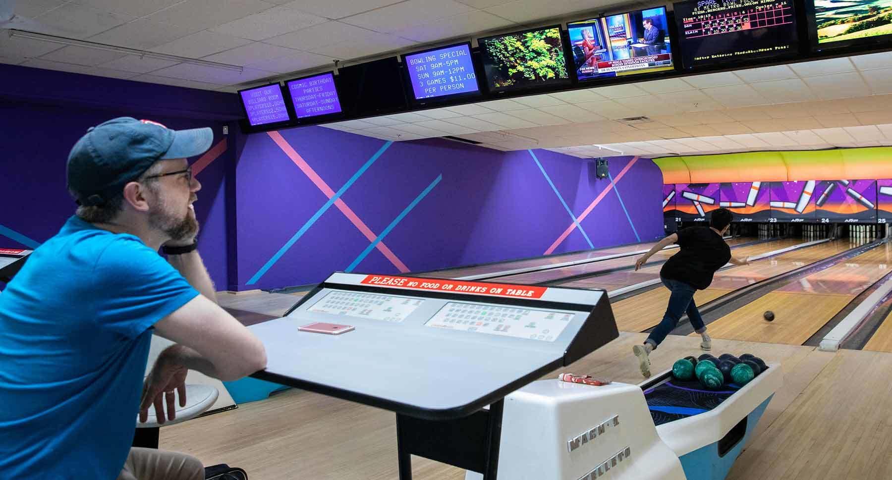 Dan Lipcan bowling