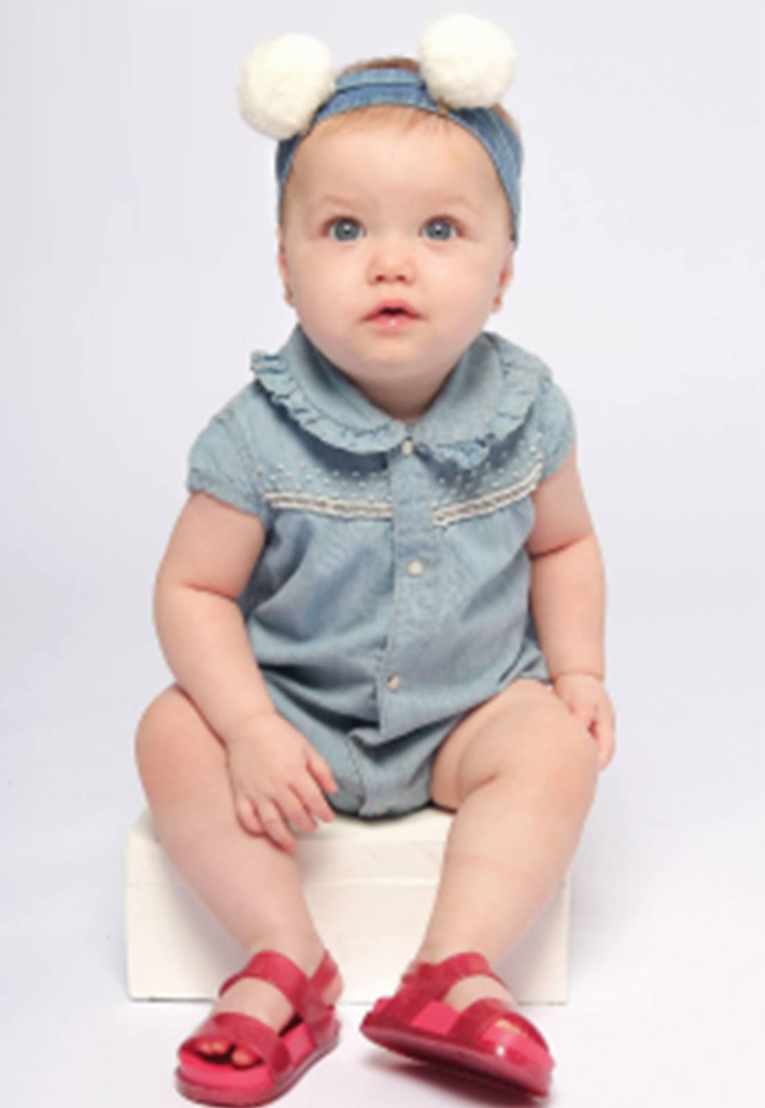 Body Jeans Estonado Gola Apliques Bordados em Pérolas Botão de Pressão Perolizado