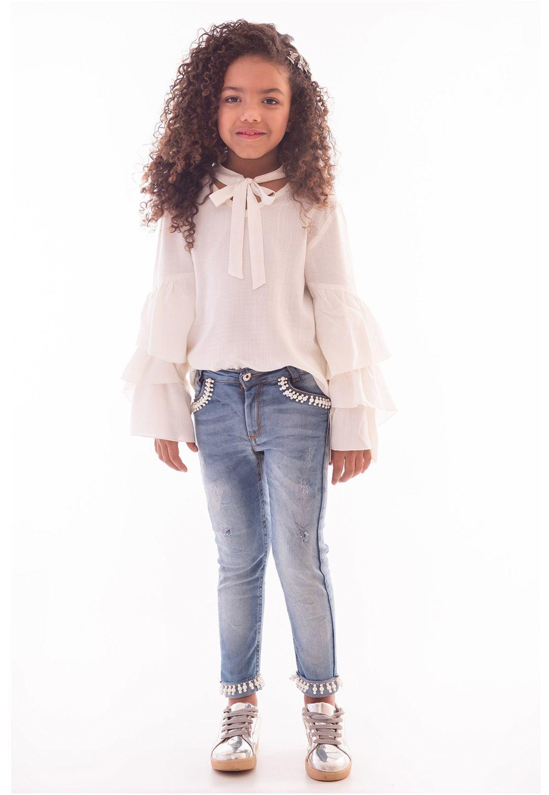 Calça Jeans com Elastano Puídos nas Pernas Ref. 448