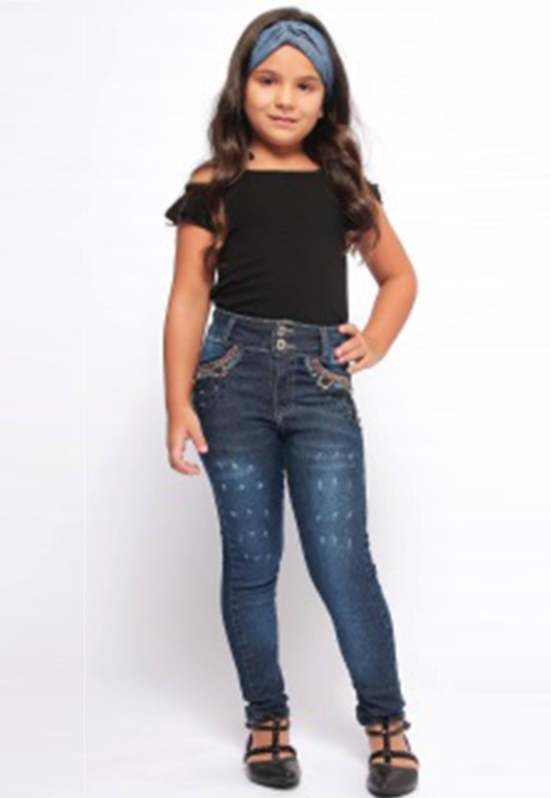 Calça Jeans com Puídos nas Pernas Ref. 235