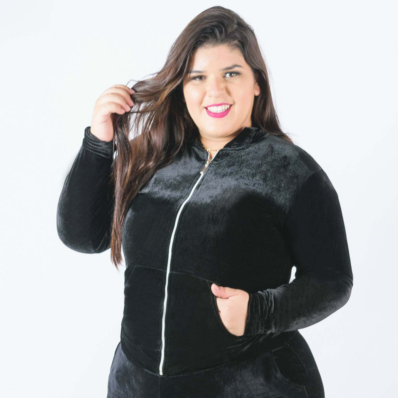 Jaqueta feminina com capuz preta plus size Catwalk