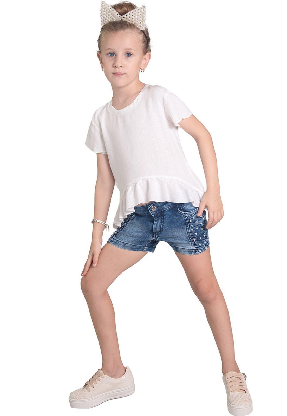 Shorts Jeans Franzido Lateral Aplique em Pérolas