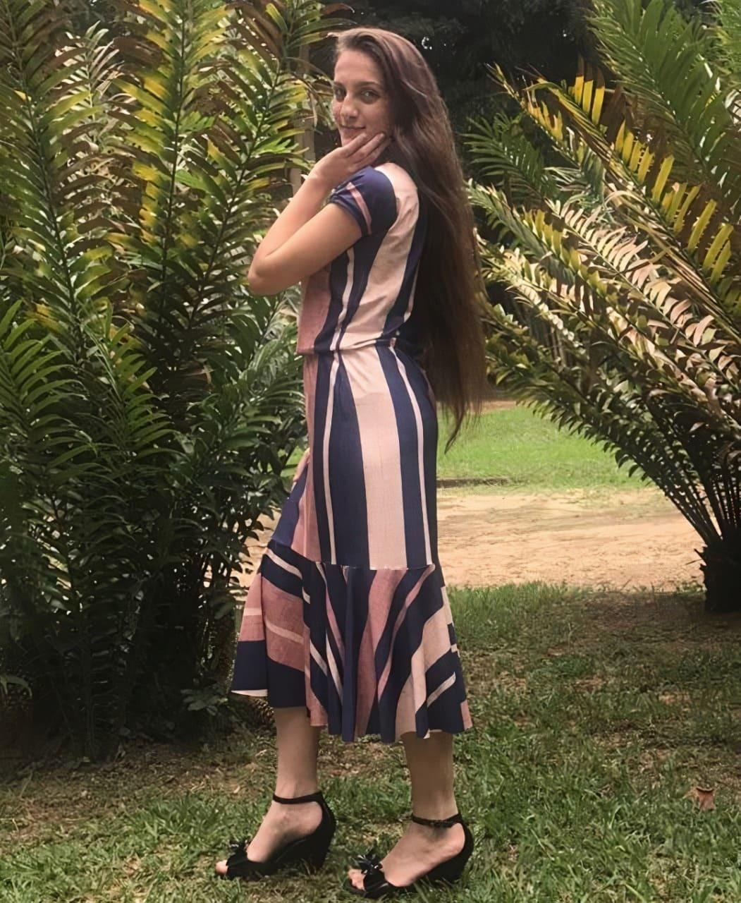 Vestido Feminino Evangelico Midi Justo Moda Babado Peplum