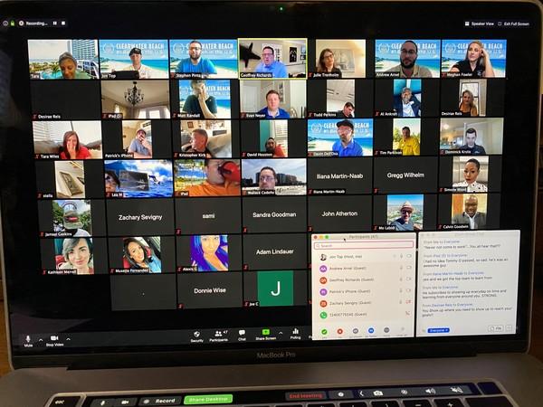 Screen, Monitor, Electronics, Person, Computer, Pc, LCD Screen, Hardware, Computer Keyboard, Keyboard