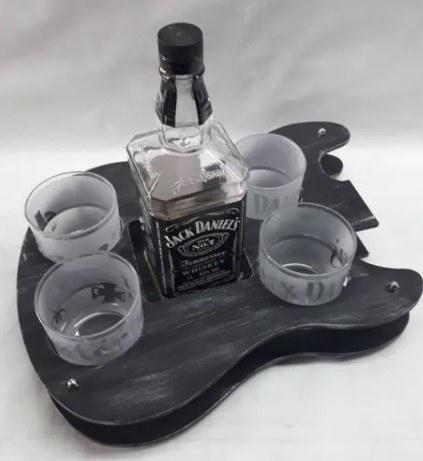 Bandeja de whiskey em MDF