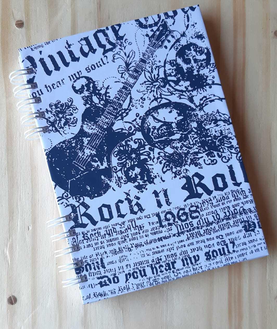 Caderno capa dura formato A5 personalizado Rock n´Roll - 80 folhas