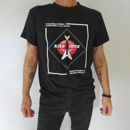 Camiseta Rock And Roll All Nite - Preta Unissex