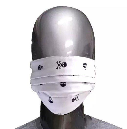 Máscara Branca de Tecido Caveiras
