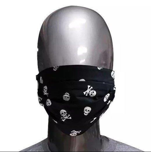 Máscara Preta de Tecido Caveiras II