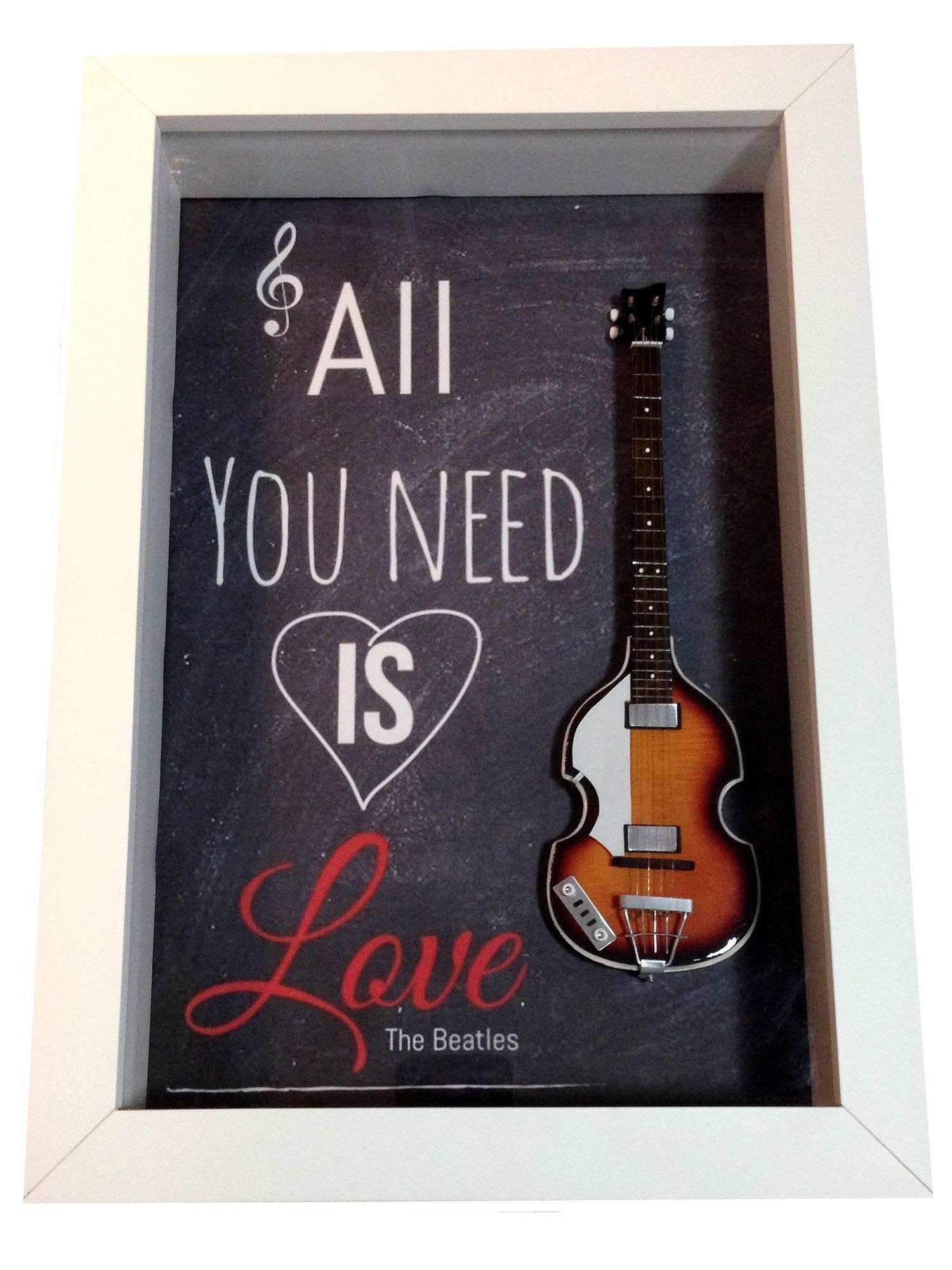 Miniatura Instrumento Musical  Baixo Paul McCartney  The Beatles com quadro
