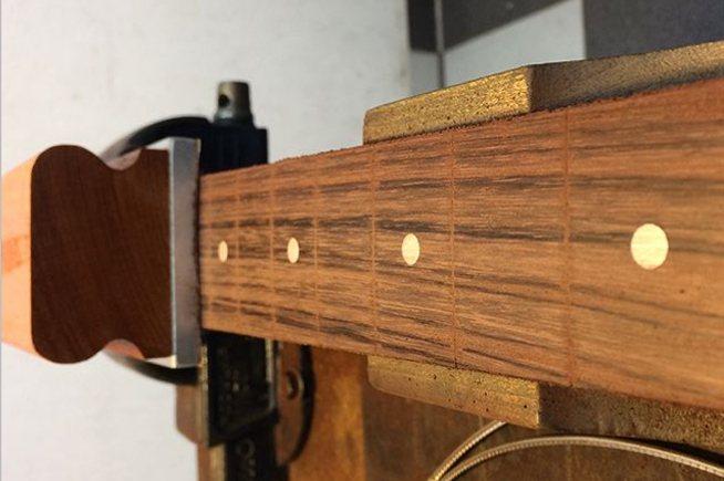 Plainagem de escala instrumentos de cordas