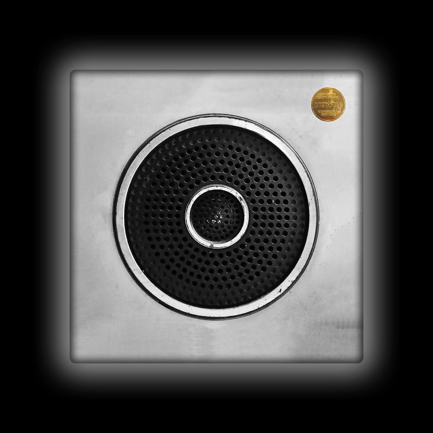 Capa de Almofada Bia Lombardi - Speaker - P&B