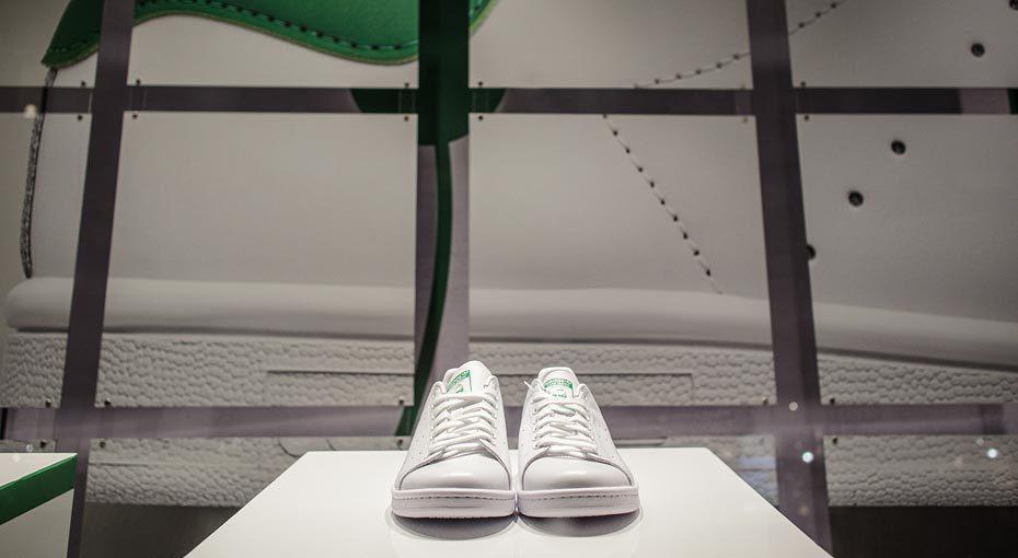 Adidas Home Of Classics R19 C1 V1