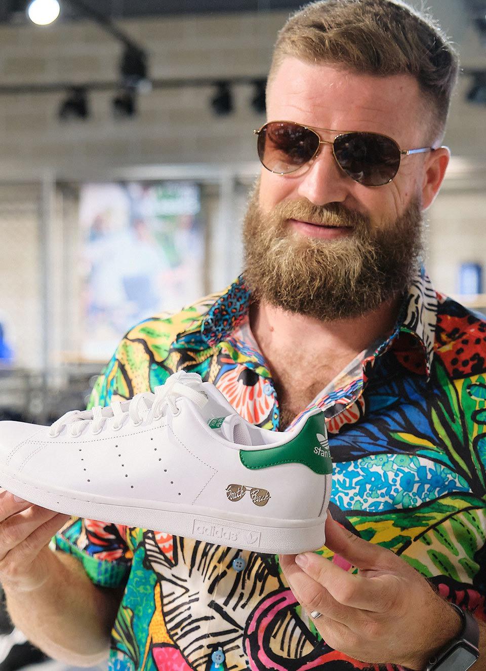 Adidas SB54 Miami R10 C1 V1