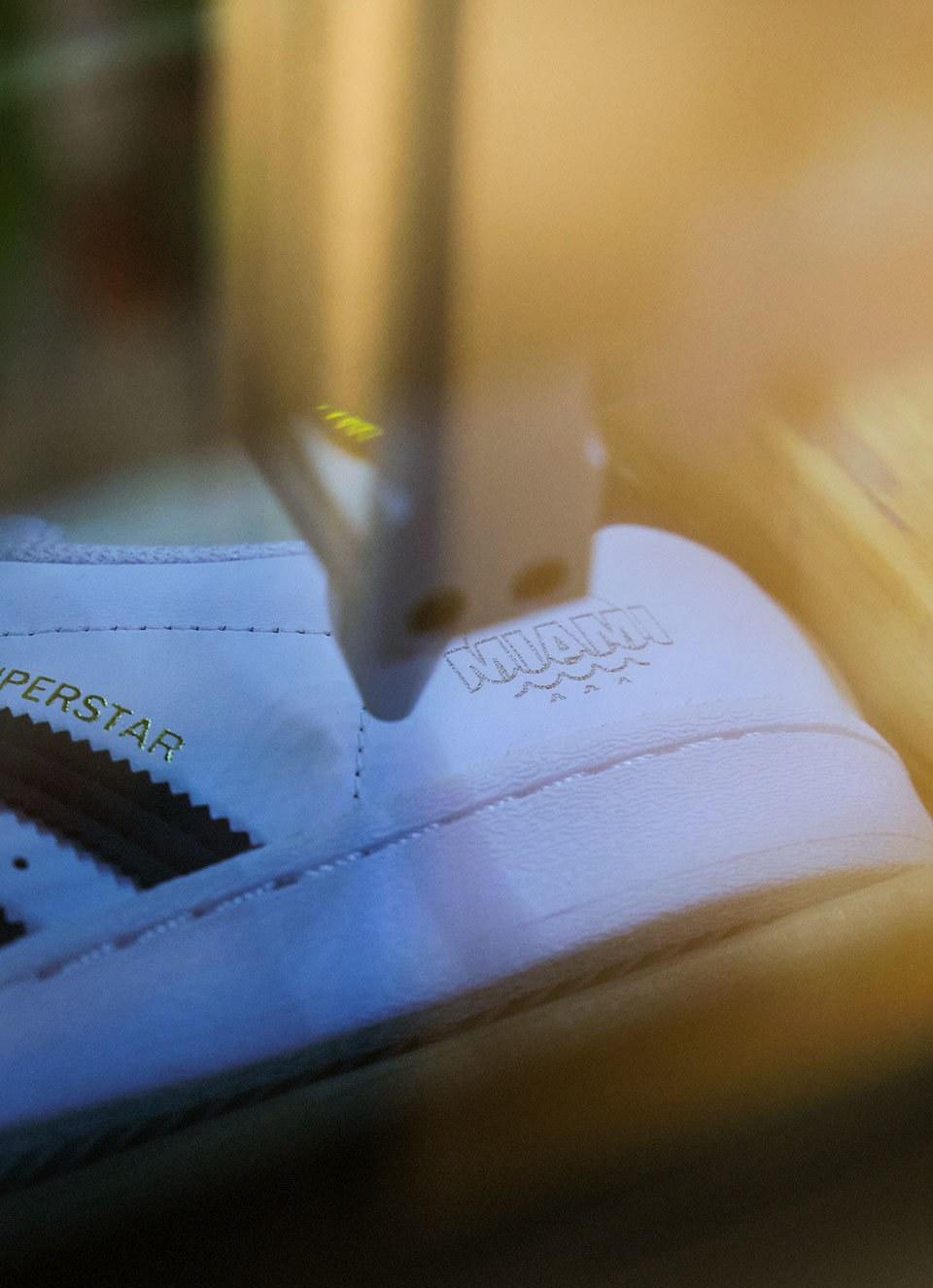 Adidas SB54 Miami R10 C2 V1