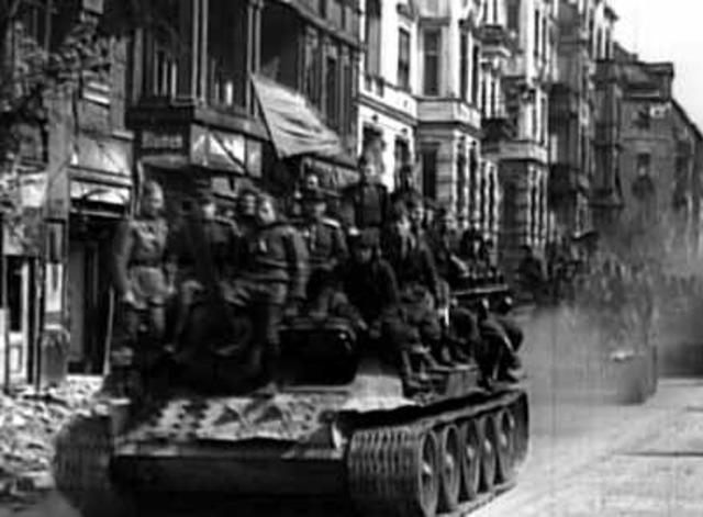 1944 Liberación de los territorios Nazis por parte de los Aliados.