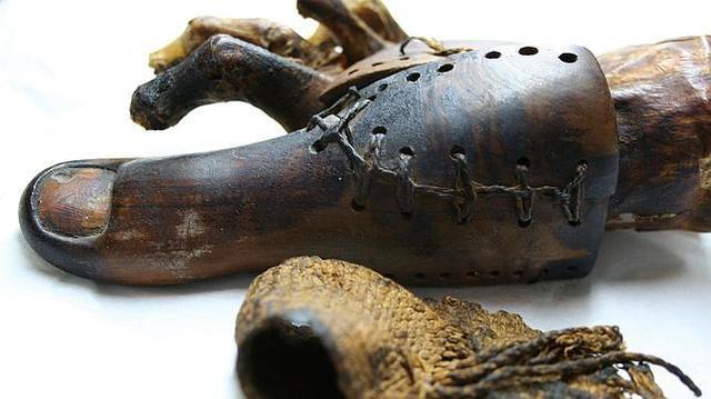Prótesis egipcia de dedo del pie