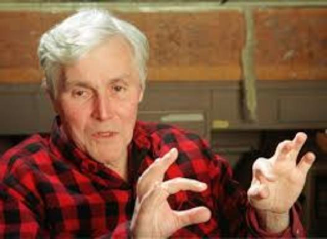Carl Woese crea un nuevo nivel taxonómico, superior a Reino, llamado Dominio.