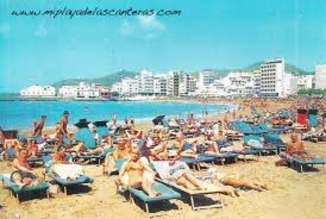 El turismo complementa sus servicios y comienza a tomar relevancia en los destinos, adapta para hacer turismo en masas.