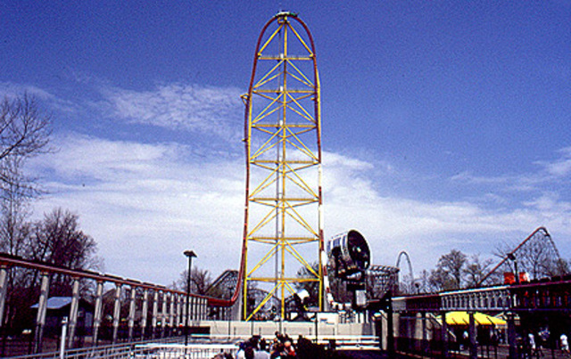 Top Thrill Dragster opens