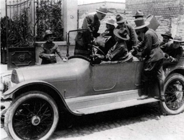 """""""La banda del automóvil gris"""""""